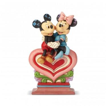 Figurine Disney Tradition Mickey et Minnie assis sur un coeur - Mickey et Minnie on Heart