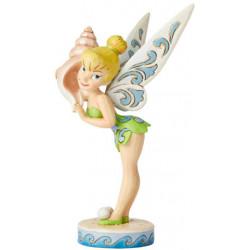 Figurine Disney Tradition Fée Clochette avec coquillage qui repréente l'été