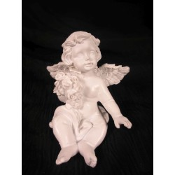 Figurine ange qui tient un bouquet de fleur