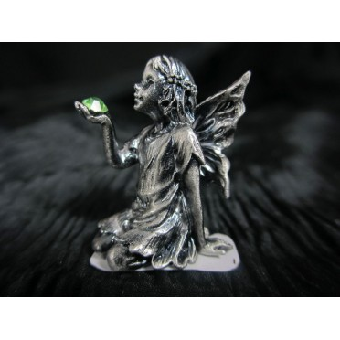 Figurine Elfe métal accroupie qui tient une pierre verte
